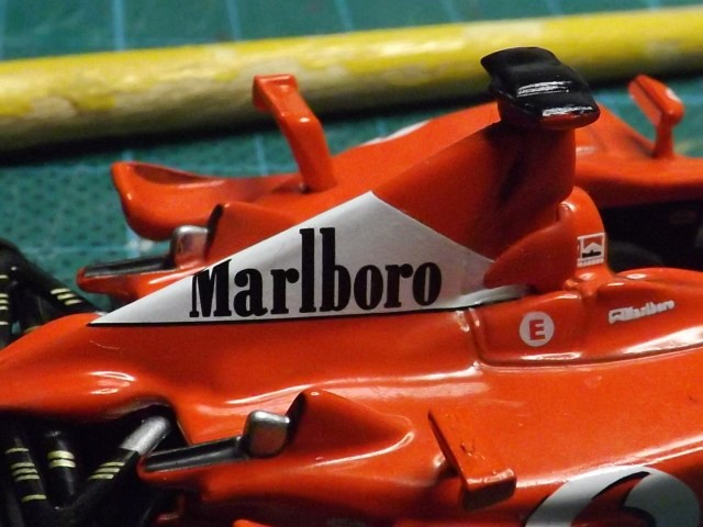 Conversion de la Ferrari F2002 du GP du Canada 2002 de chez Hot-Wheels Elite A345
