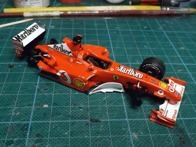 Conversion de la Ferrari F2002 du GP du Canada 2002 de chez Hot-Wheels Elite A351